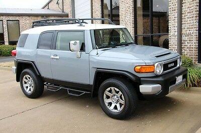 2014 Toyota FJ Cruiser Base Sport Utility 4-Door Cement Off Road Package Convenience Package Roof Rack Running Boards Hitch More!