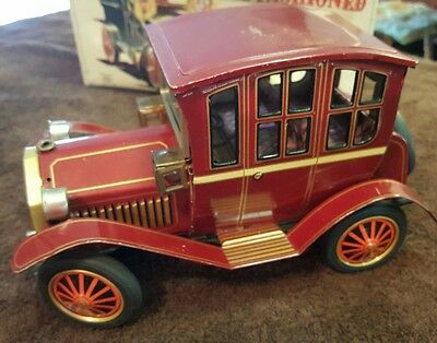 """Vintage 50's """"Old Fashioned Car"""" Tin, Battery Operated, S.H Japan"""