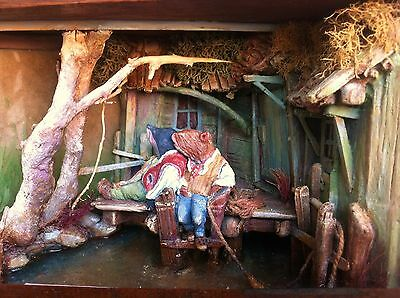 D/house Miniature Wind in the Willows Antique Box Sans Robinson 1/12th - Resell