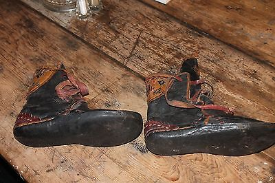Very Old Navajo Hand Made Leather Moccasin Outstanding Craftsmanship Artifact