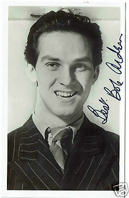 Robert Arden British Film and TV Actor  Hand Signed Vintage Postcard 5 x 3