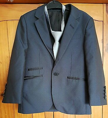 Boys wedding suit navy aged 5
