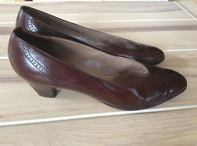 bally bellezza brown court shoes vintage court shoes brown size 7C/ uk 6?