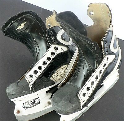 Mission AMP 6 Ice Hockey Skates Size 4 D  VGC need laces