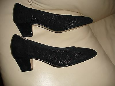 NEW Womens shoes size 6,5 * Work or casual low heel shoes