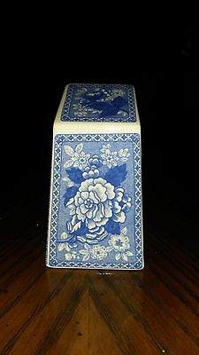 Spode Blue Room Fine Bone China Collectors Paperweight Made in England S3683-AO