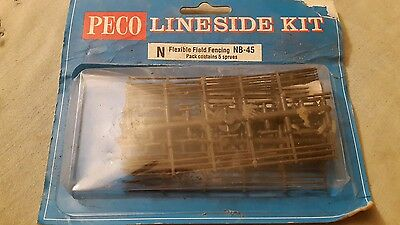 A model railway plastic kit by peco for N gauge of flexible fencing