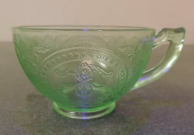 Vtg Green Depression Vaseline Uranium Indiana Glass Horseshoe  Coffee / Tea Cup