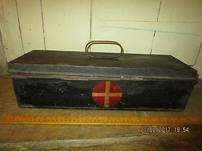 Vintage 1920s / 30s era First Aid box from Waterloo Railway Station.Stamped SRA
