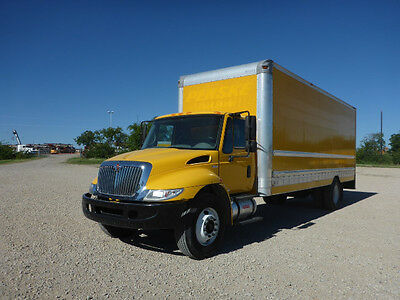 2011 International 4300 With 26 Ft Box  No Cdl Required