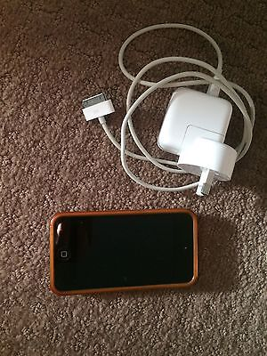 IPod Touch 8GB With Dock