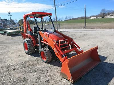 2011 Kubota L39 Compact Tractor Loader Backhoe, 4X4, ONLY 340 Hrs, 35 HP Diesel