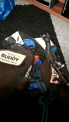 a.p valves buddy commando jacket & bottle