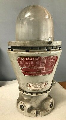 Appleton Electric Company A-51 Series Vented Explosion Proof Lighting Fixture-St