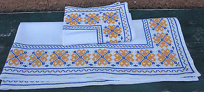 Vintage Hand Embroidered Table Runner & Placemat Geometric Blue Yellow