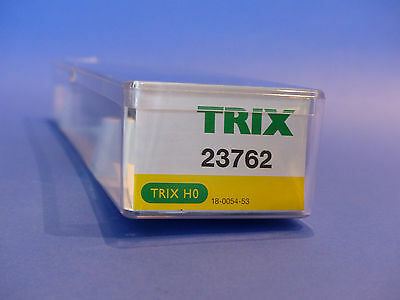 TRIX EXPRESS 3 PASSENGER CARS, 2 # 33362 and 1 # 33363, USED IN ORIG. BOX