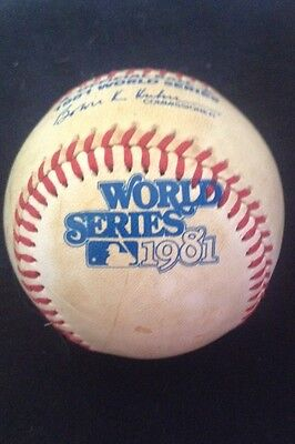 1981 WORLD SERIES MISPRINT BASEBALL GAME USED ? RARE RAWLINGS Dodgers Yankees