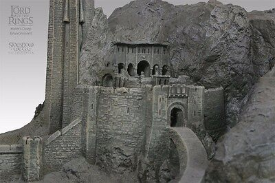 LORD OF THE RINGS - Helm's Deep Environment Weta/Sideshow - 1460 of 4000