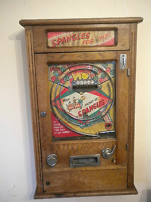 Giant Spangles Vintage Wall Machine