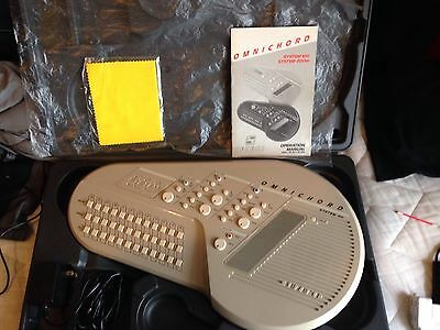 Omnichord Om-100 -Mint Condition.