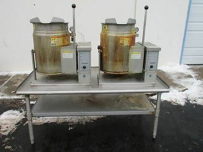 Cleveland Double Natural Gas 6 Gallon Tilting Steam Jacketed Soup Kettle