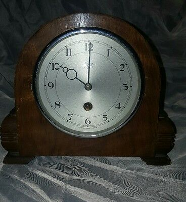 Vintage Newport 8 Day Wooden Jewelled Lever Mantel Clock