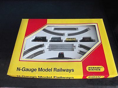 Hornby Minitrix N-Gauge - Track, Locomotive and 3 Wagons