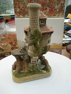 """David Winter """"the Tree House"""" From The Eccentrics Collection D1107"""