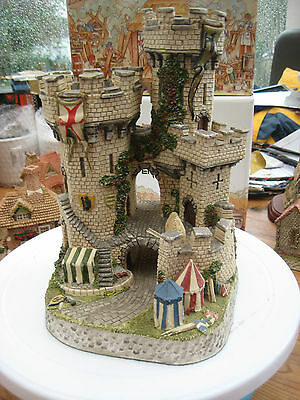 """David Winter """"the Kings Castle"""" Rare Mint Boxed Carnival Piece From 1994"""