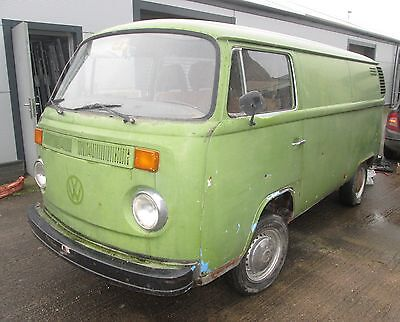 Volkswagen T2 bay panel van 1976