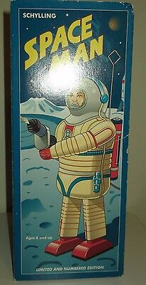 Schylling Space Man boxed battery-operated tin toy - Excellent !