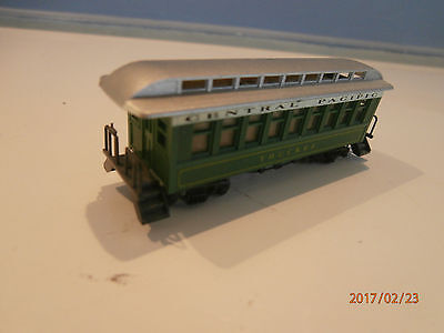 Old Style Passenger Carriage......central Pacific.......n Scale