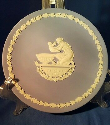 Wedgewood Mothers 1973  Plate