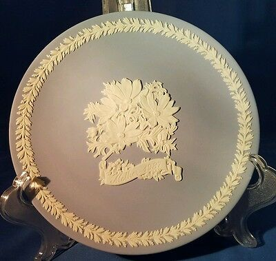 Wedgewood Mothers 1987  Plate