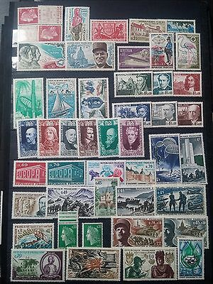 J819. FRANCE. 2 PAGES TIMBRES NEUFS mnh