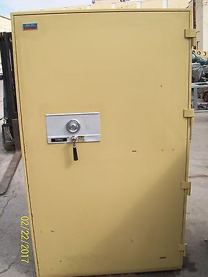Diebold Fire Safe Class 150-1 Hour Data Media Gun Safe 74X44X33 Inside-63X33X17