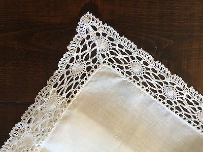Irish Linen Tablecloth And Napkins With Lace Trim In Presentation Box