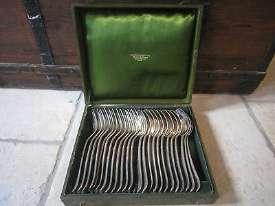 Jolie Coffret Menagere 24 Pieces Christofle Metal Argente Modele Rubans Croises