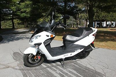 2014 Other Makes SYM RV EVO 200  2014 SYM RV EVO 200 Scooter - 3k Miles - White - 171cc - Water Cooled