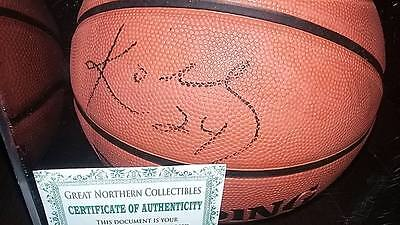 Basketball Signed by Kobe Bryant with protective case! (FREE SHIPPING!)