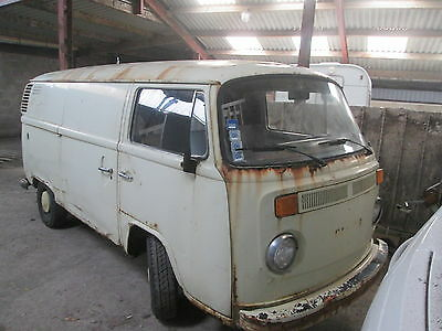 Volkswagen T2 bay panel van 1979