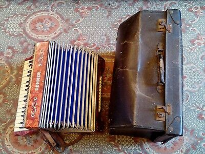 Vintage Horner Carman Iii Piano Accordian (Leather Case)