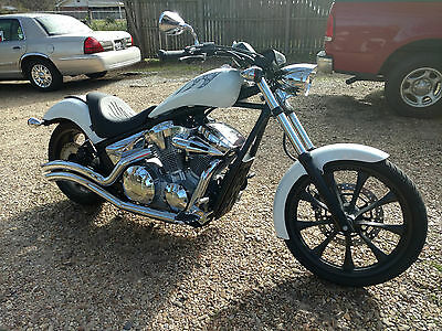 2011 Honda Fury  2011 Honda Fury Motorcycle With Extras Only 3,000 miles No Reserve !!