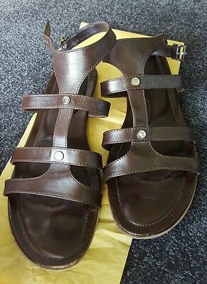 Tod's brown leather sandals.  size 38