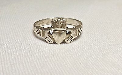 Sterling Silver Celtic Claddagh Heart in Hands Ring Size 6