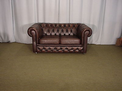 Canape Chesterfield Marron 2 Places