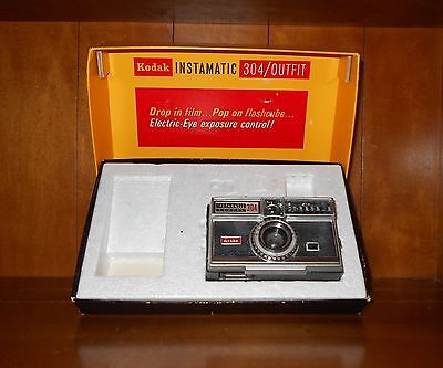 Vintage Kodak Instamatic 304 Camera w/ Box