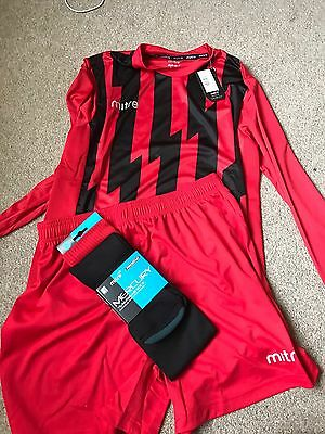 brand new football kit x14 plus goalkeeper kit