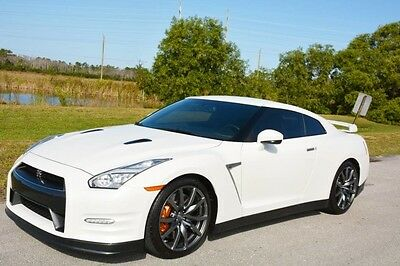 2015 Nissan GT-R  2015 GT-R PREMIUM - RARE PEARL WHITE - 1 OWNER FLORIDA CAR - AMAZING CONDITION