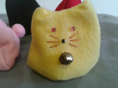 Handmade Yellow Felt Bean Bag Cat (Otedama)